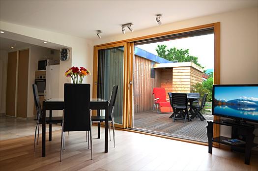 Villa marmillons location d 39 appartements meubl s aix for Salon ouvert sur terrasse